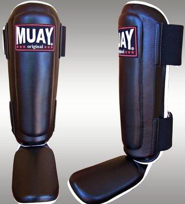 Muay Pro Shin and Instep zwart Muay Thai Scheenbeschermers